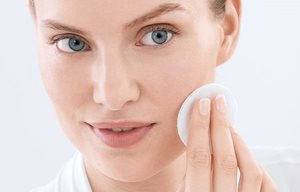 Use face toner in the morning and evening