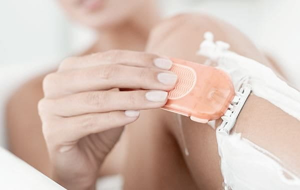 Can shaving cause itchy skin?