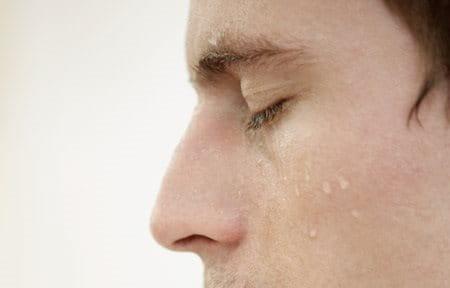 Can caffeine cause facial hyperhydrosis